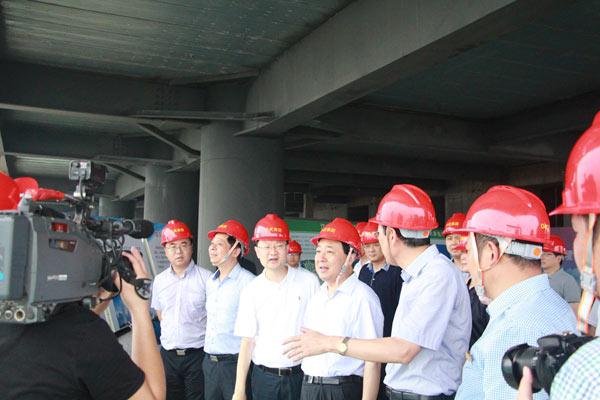 扬州市委书记谢正义视察扬州金奥中心