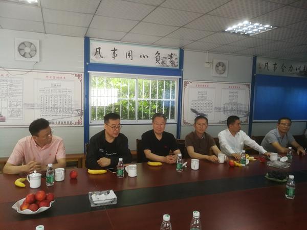 上海市建筑施工行业协会领导来我公司考察指导